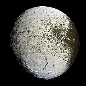 The light side of Saturn's moon Iapetus